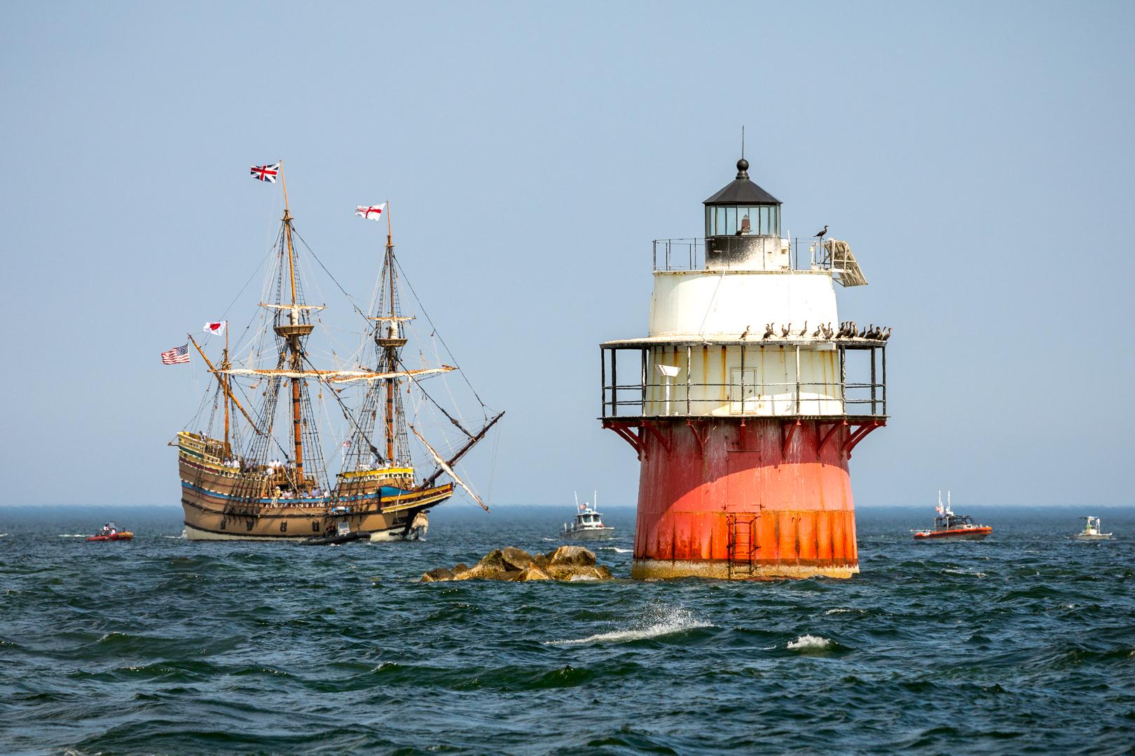 Mayflower II and Bug Light