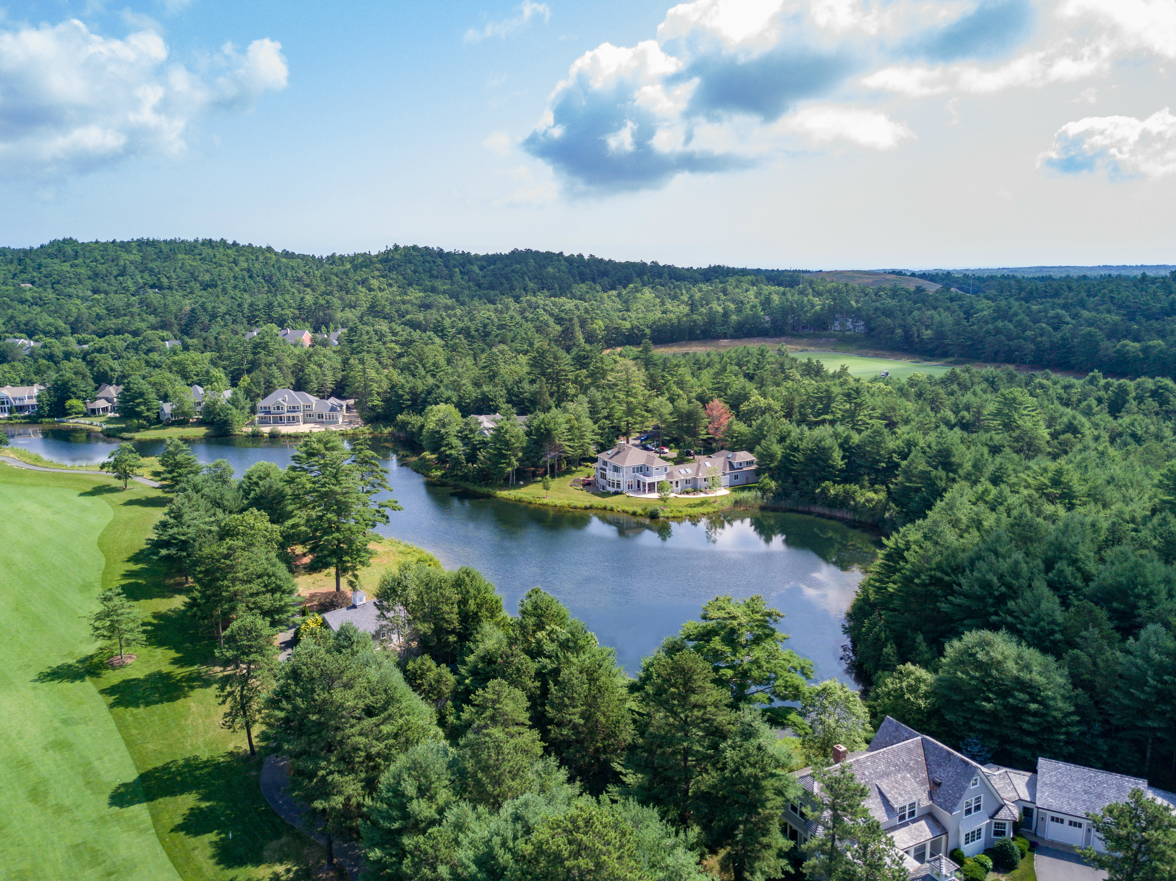 Custom Homes Among the Hills and Ponds in Ryecroft