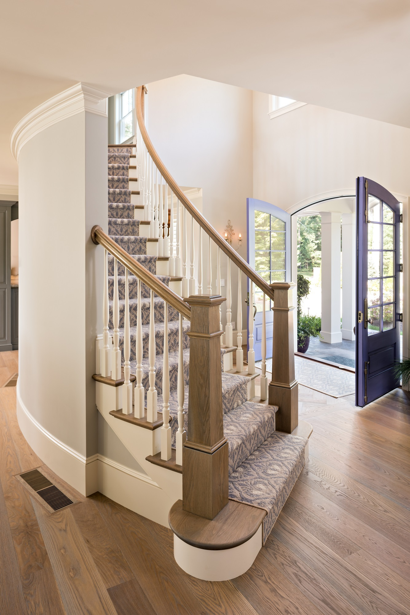 MacKenzie Brothers Ryecroft Custom Home Entry Staircase