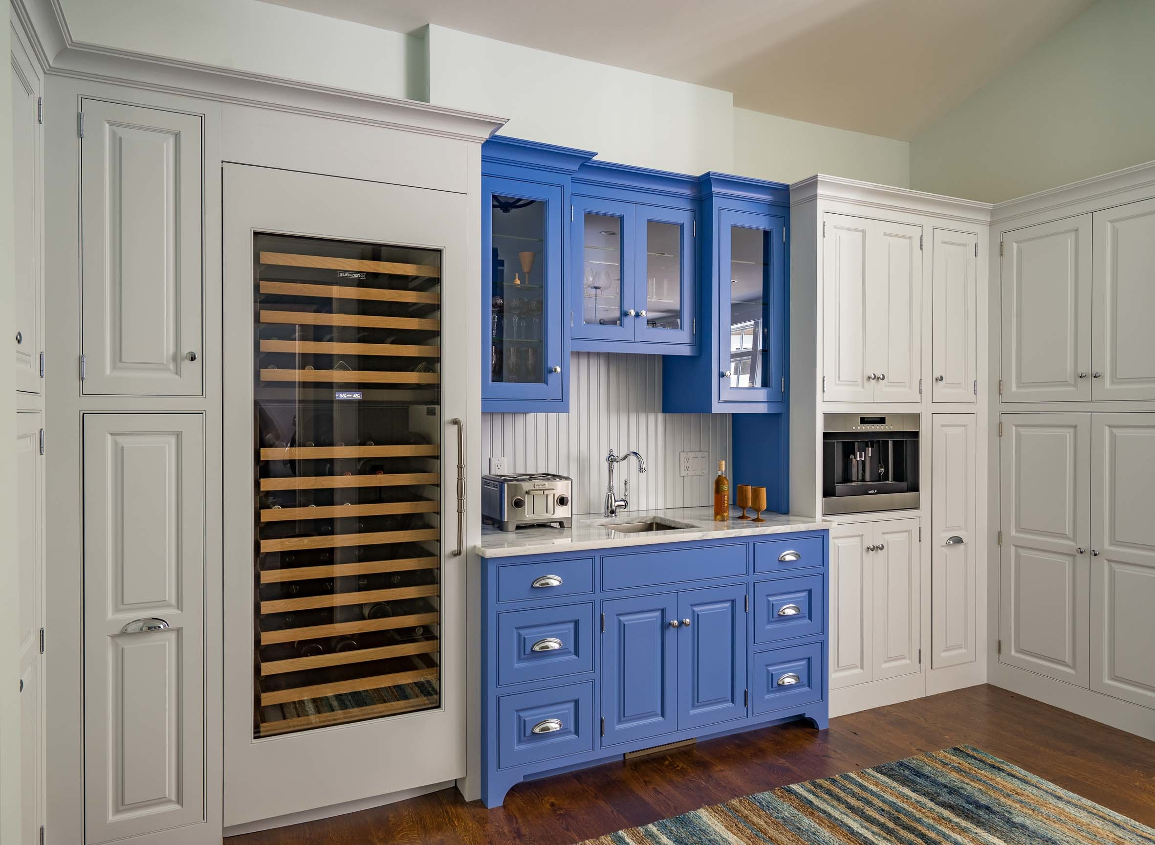 Kistler & Knapp Custom Home Ryecroft Wet Bar