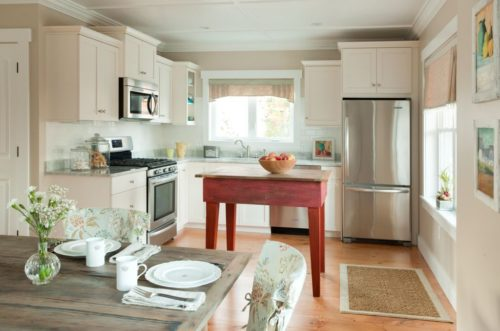 Barefoot Cottage Cobblestone Kitchen